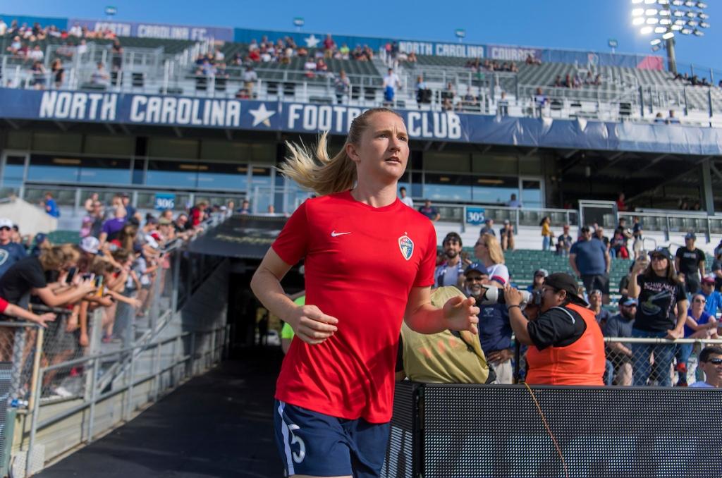 Guess who's back...? Alright, it's Sam Mewis, returning to the Courage